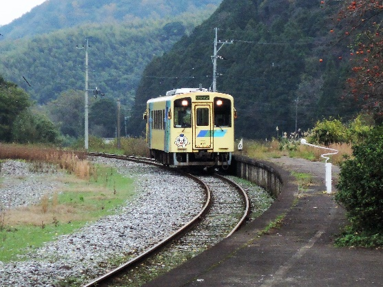 15年12月油須原駅、タブレット交換の跡あり