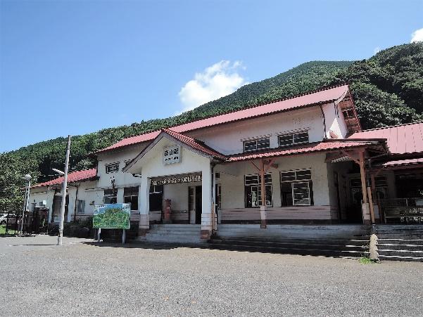 15年日田彦山線の線名由来の彦山駅駅舎