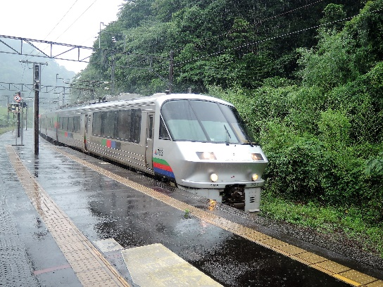 2015年6月清武駅の特急電車