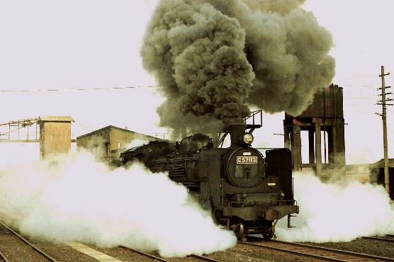 1974年4月の日豊本線都城駅発車